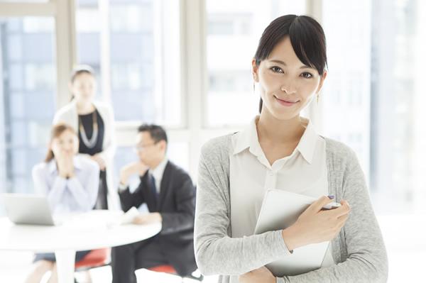 企業で活躍する女性はいるか?